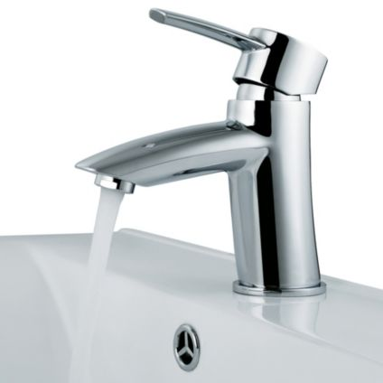 VIGO 6 1/8-Inch Single Lever Faucet in Chrome