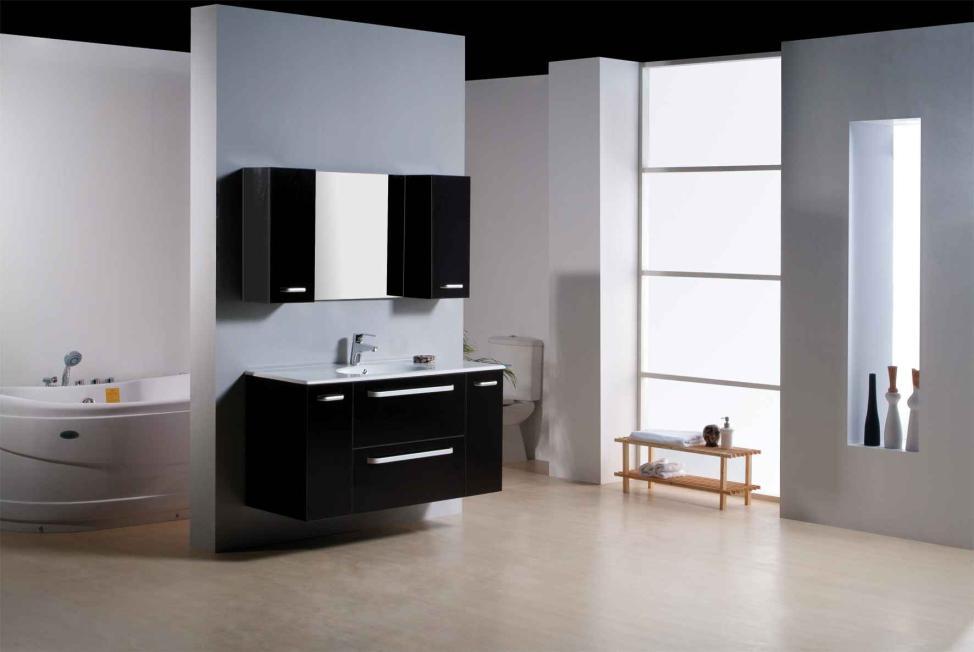 Practical Bath Décor Ideas