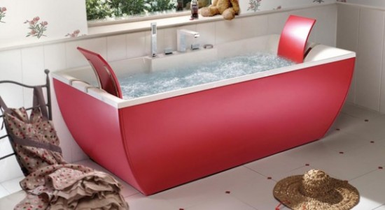 Kali pink bathtub